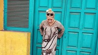 DJ Butterfly sering mengunggah fotonya berdaster dengan caption membawa-bawa love batik. Foto: Instagram/dj_kattybutterfly36/istimewa