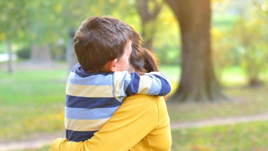 Gara-gara Kondisi Kulit Langka Anaknya, Seorang Ibu Dipolisikan