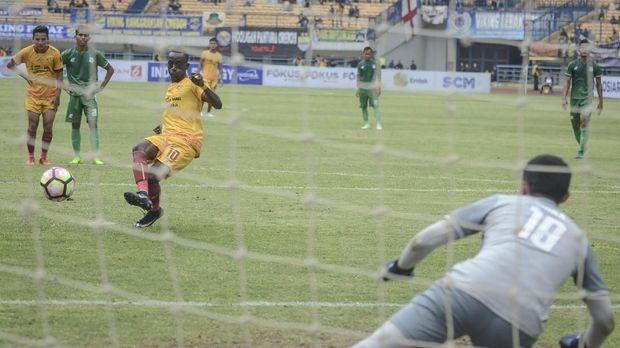 Skor imbang 3-3 pada waktu normal dan babak tambahan waktu membuat pertandingan dilanjutkan ke babak adu penalti.