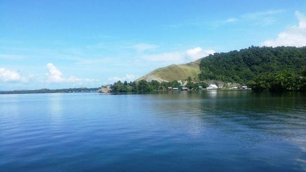 Sejuk, Begini Indahnya Danau Sentani di Jayapura