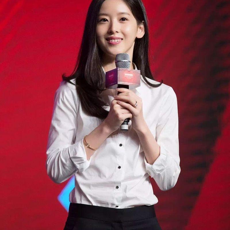 Zhang Zetian, dara cantik berusia 24 tahun ini menjadi salah satu orang terkaya di China. Zhang masuk dalam jajaran 500 orang terkaya di negeri tirai bambu itu (@zetianzzz/Instagram)