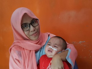 Cerebral Palsy Bikin Bayi Cantik 9 Bulan Ini Belum Leluasa Gerak