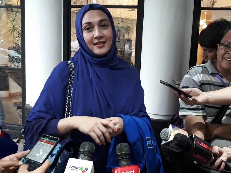Gathan Dikabarkan Ditahan Polisi di Kuta, Dina Lorenza: Itu Hoax!