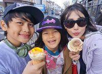 Gavin dan Khaila, anak Arie dan Fenita ketagihan ke Mekkah