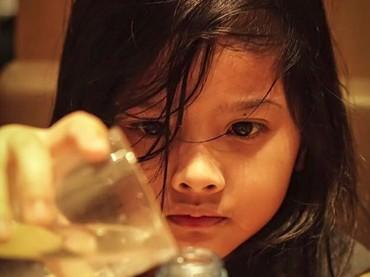 Wajah Atreya dari dekat. Hayo, lebih mirip bunda atau ayahnya, Bun?(Foto: Instagram/ @audyitem)