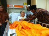 Umar Basri saat di rumah sakit.