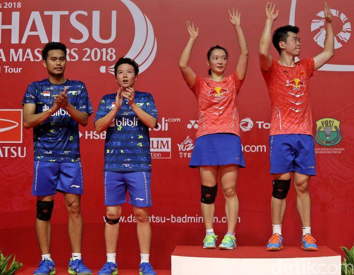 Zheng Siwei/Huang Yaqiong menjadi juara ganda campuran Indonesia Masters 2018.