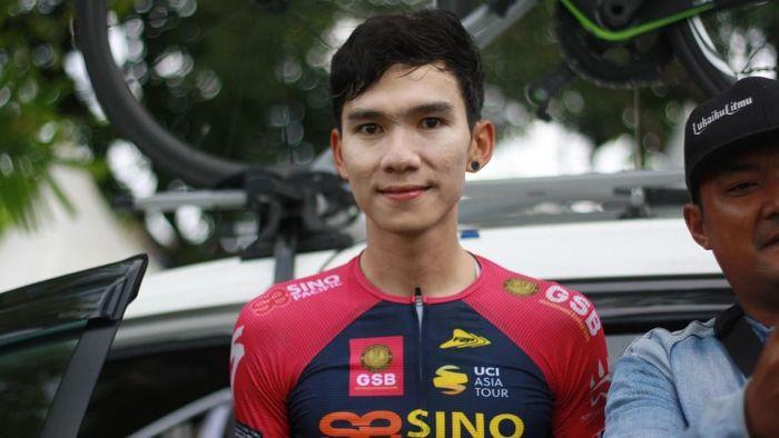Pebalap Thailand Peerapol Chawchiangkwang juara etape keempat Tour de Indonesia 2018 (Foto: Femi Diah)