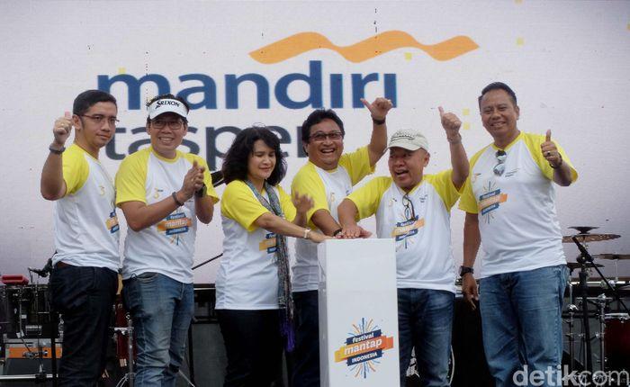 Jajaran direksi dari Bank Mantap hadir dan memeriahkan beragam acara yang disajikan dalam ajang event Festival Mantap Indonesia di Jakarta, Minggu (28/1/2018).