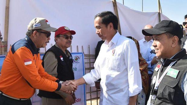 Jokowi Janjikan RS Rumah Sakit Lapangan ke Pengungsi Rohingya