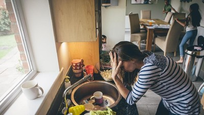 Ibu Rumah Tangga Juga Punya Hari-hari yang Sulit