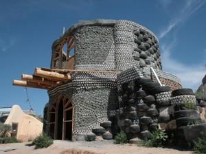 Bangunan Ini Dibuat dari Garam hingga Ban Bekas, Kok Bisa?