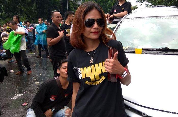 Vicky, driver online perempuan ini datang dari berbagai kota seperti Surabaya, Yogyakarta, Bandung juga Jakarta.