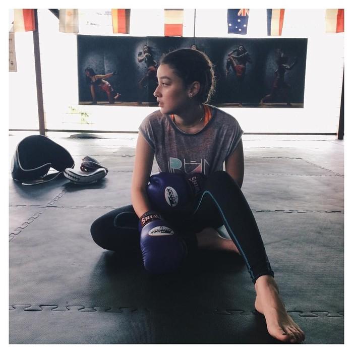Untuk mendapatkan tubuh yang sehat dan tubuh yang langsing, olahraga adalah salah satu kuncinya. Seperti yang dilakukan Natasha Ryder. Foto: Instagram @natasharyder