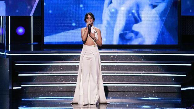 Camila Cabello ketika membacakan pidato tentang imigran.