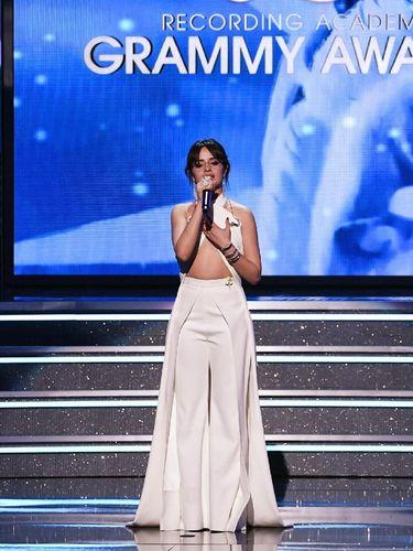 Camila Cabello di panggung Grammy Awards 2018.