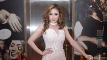 Hotman Paris Tantang Sumpah Pocong, Amel Alvi Asli Tanpa Operasi