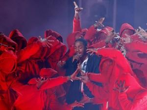 Keseruan Grammy Awards, Bintang Glee Meninggal Dunia hingga Meme Dilan