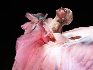Lady Gaga Rayakan 10 Tahun Just Dance Bersama GAC