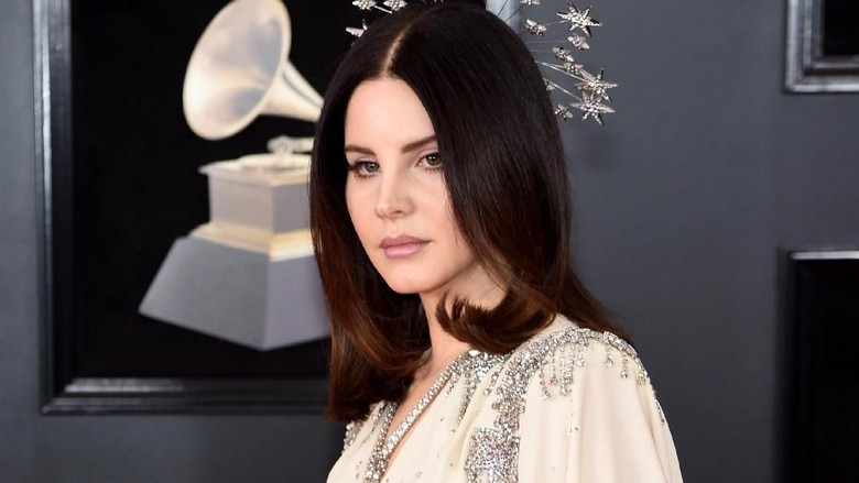 Panjang! Judul Single Lana Del Rey Ini Seperti Lirik