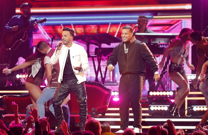60th Annual Grammy Awards – Show – New York, U.S., 28/01/2018 – Luis Fonsi (L) and Daddy Yankee perform Despacito. REUTERS/Lucas Jackson