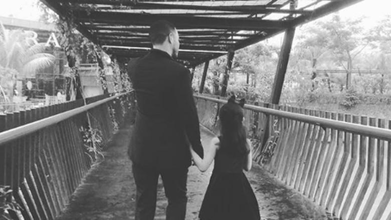 Bagi Nafa Urbach, Momen Mantan Suami Antar Anak Itu Indah Banget (Foto: Instagram/ @nafaurbach)
