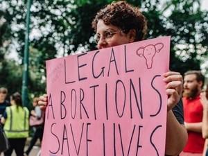 Desakan Agar Rumah Sakit Umum Australia Lakukan Aborsi