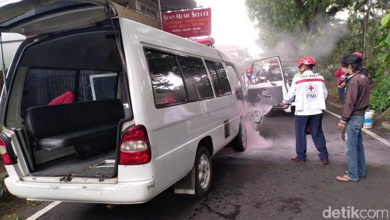 Hendak Jemput Pasien, Ambulance Ini Terbakar