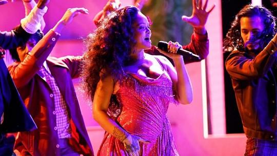 Kemeriahan Grammy Awards 2018 hingga Pose si Seksi Amel Alvi