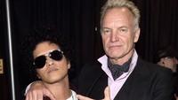 Firasat Sting nggak salah, karena Bruno Mars berhasil bawa pulang 7 buah piala malam itu. Jamie McCarthy/Getty Images for NARAS.