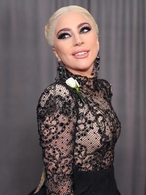 Prestasi Lady Gaga Ditandingi Lewandowski, Kok Bisa?
