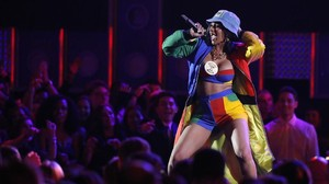 Cardi B: Stripper, Hip-hop dan Instagram