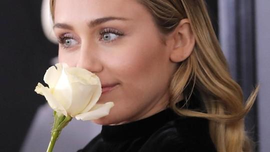 Miley Cyrus Ternyata Belum Benar-benar Insaf