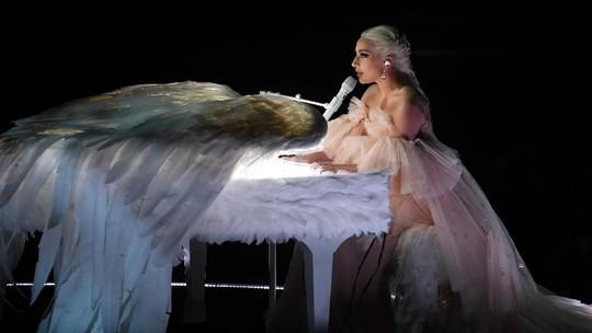 Lady Gaga Bak Bidadari hingga Wanita Seksi di Despacito