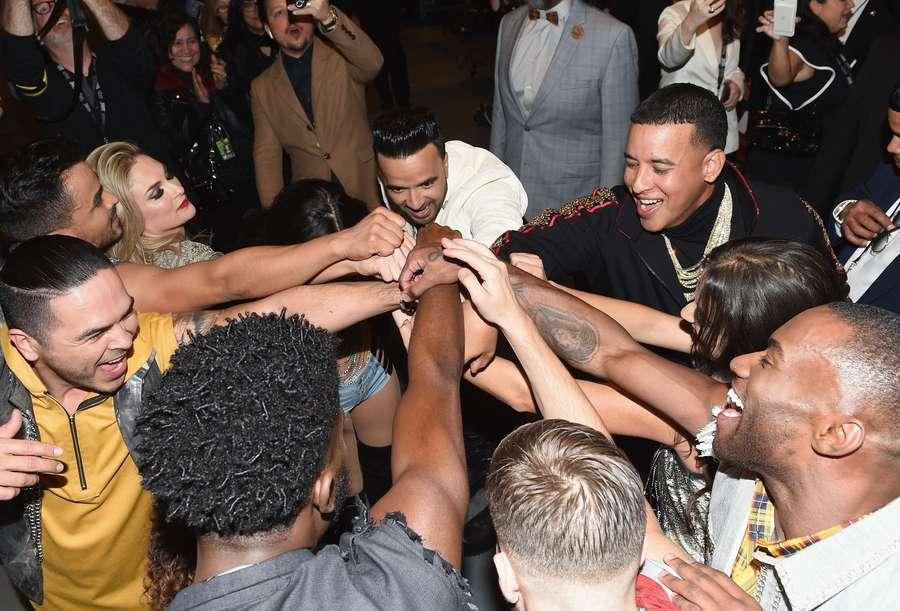 Intip Kejadian di Balik Panggung Grammy Yuk!