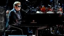 Koin Emas Bergambar Elton John Dilelang Rp 1,1 M