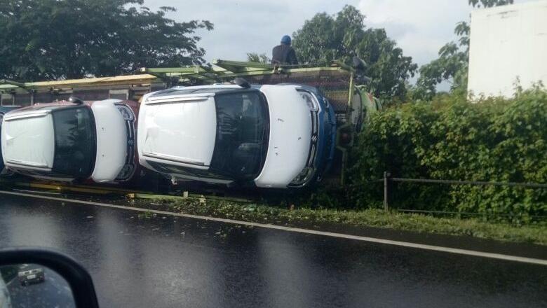 Suzuki Belum Tahu Kabar Truk yang Bawa Ignis Terguling Foto: iqbal
