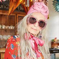 Nenek Ini Masih Eksis Jadi Model Meski Telah Berusia 89 Tahun