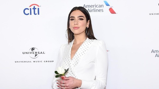 Seksinya Dua Lipa di After Party Grammy Awards 2018