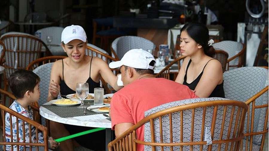 Kebersamaan Nikita Mirzani dan Pacar Barunya saat Liburan di Bali