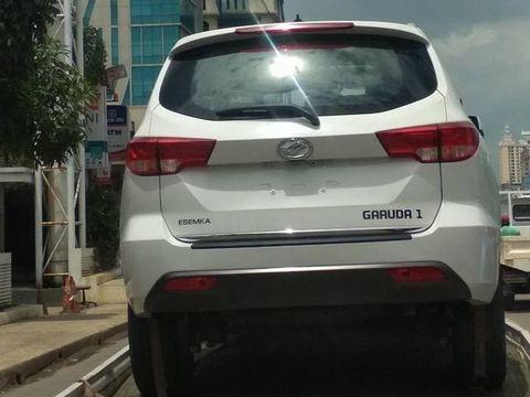 Mobil SUV Esemka Tertangkap Kamera.