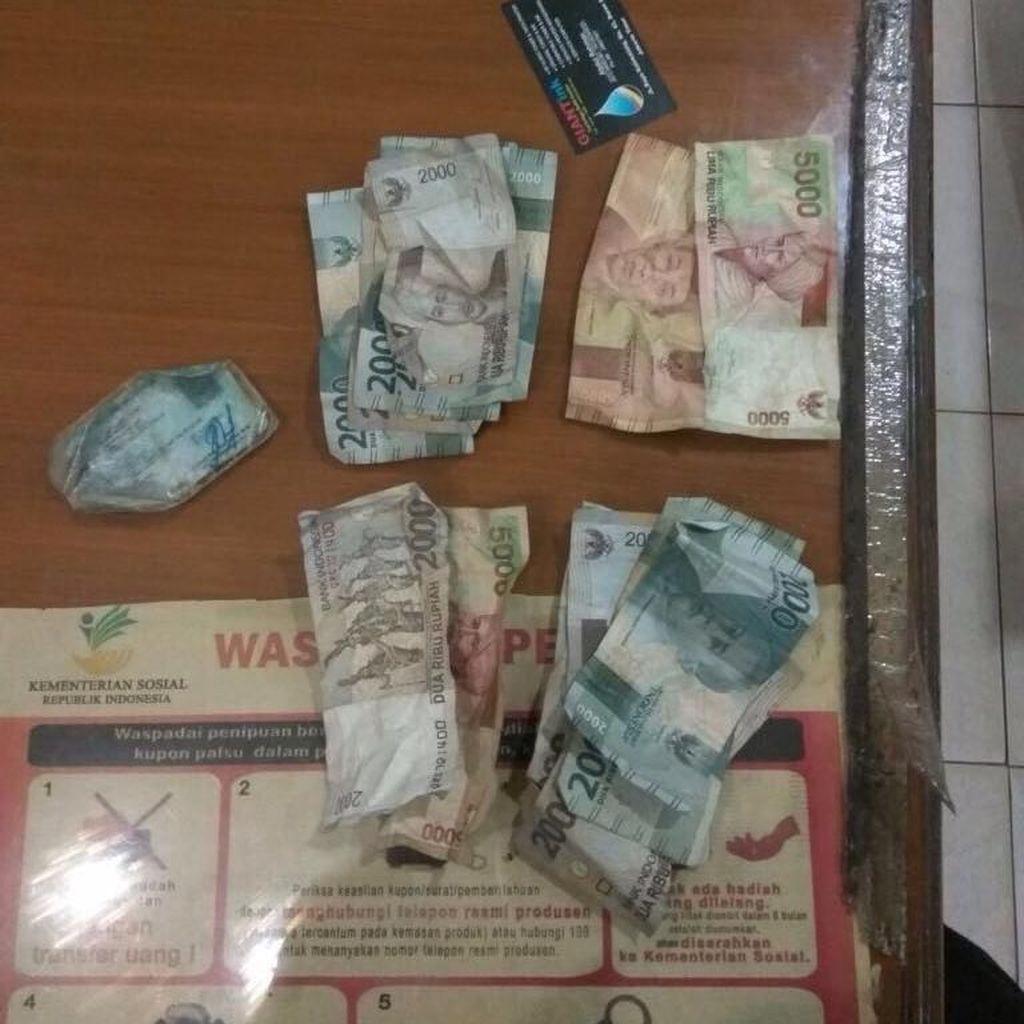 Video: 2 Pelaku Pemerasan yang Gentayangan di Kramat Jati Dibekuk