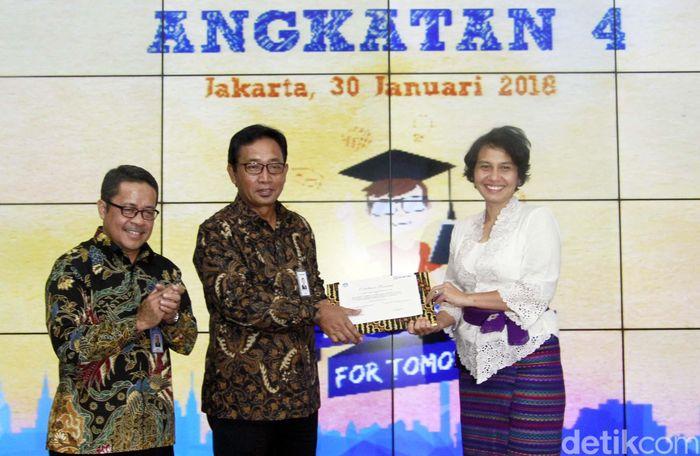 Beasiswa Nusantara Cerdas merupakan program beasiswa unggulan yang pembiayaannya berasal dari dana Bina Lingkungan BRI dan diberikan kepada mahasiswa pada jenjang Strata Satu (S1) yang berkuliah di Perguruan Tinggi Negeri terkemuka di Indonesia.