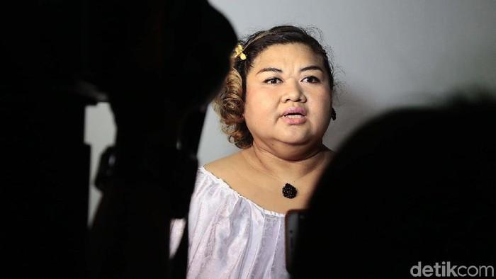 Almarhuman Pretty Asmara sempat mengalami sesak napas sebelum meninggal dunia pagi ini (Foto: Ismail/detikHOT)