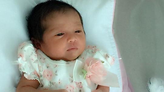 Lucunya Bayi Andi Soraya Sudah Sadar Kamera