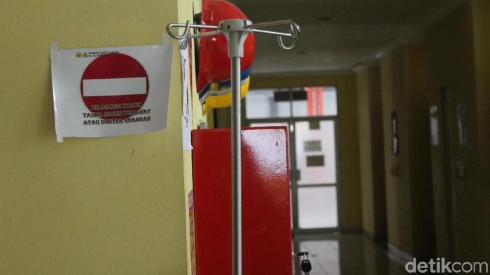 Ruang isolasi pasien difteri di salah satu rumah sakit di Garut. (Foto: Hakim Ghani)