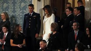 Trump Pidato Kenegaraan Pertama, Melania Disambut Tepuk Tangan