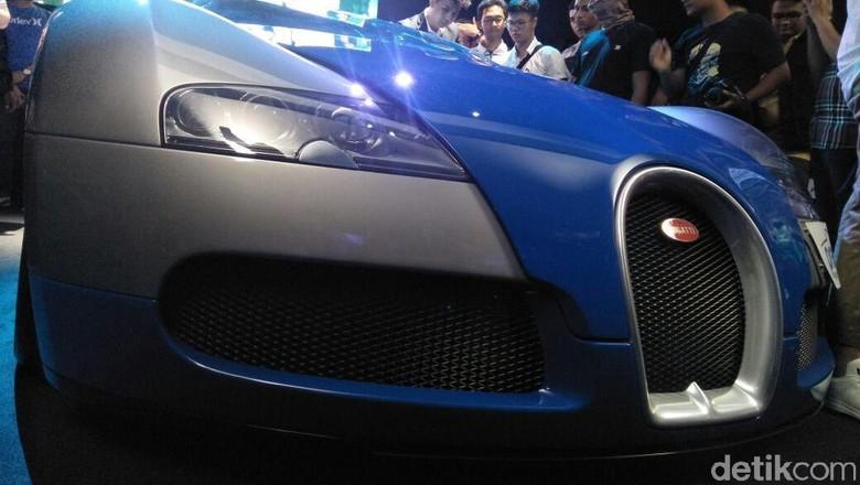 Bugatti Veyron Foto: Ruly Kurniawan