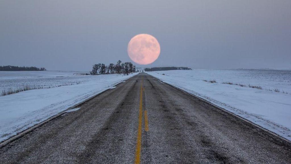 Karya Indah Jawara Kontes Foto Cahaya Bulan
