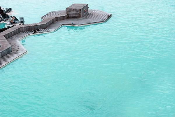 Banyak turis yang datang berendam ke sini dengan beragam alasan. Ada yang untuk menghilangkan penat, untuk kesehatan, kecantikan, dan juga sauna (Thinkstock)